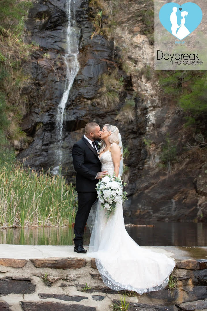 where to buy wedding bouquet