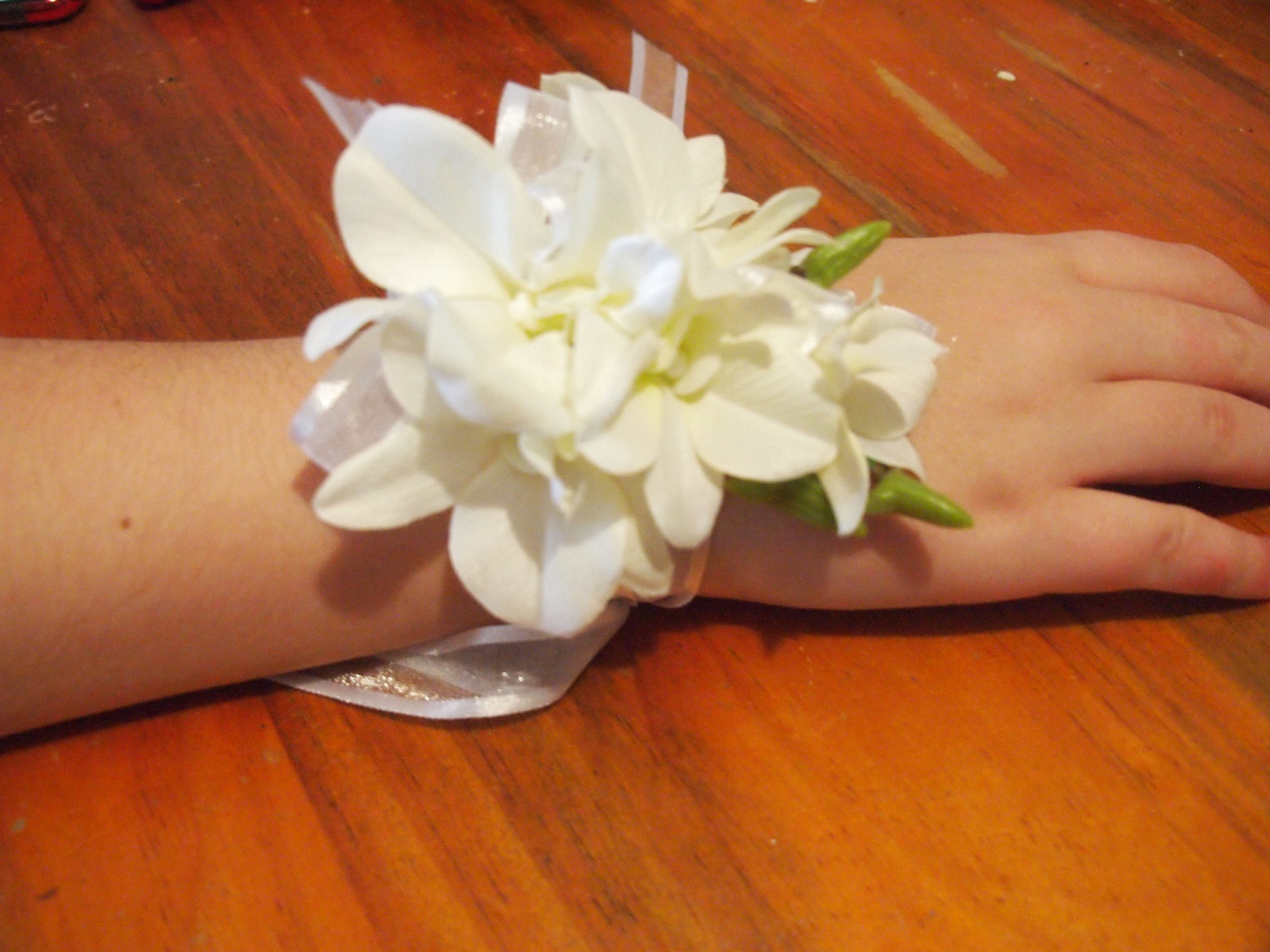 where_to_get_a_corsage_near_me