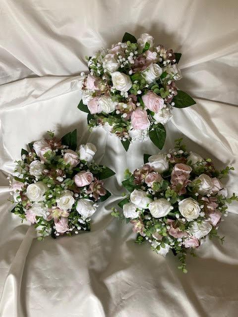 bouquet flowers for bridesmaids